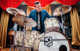Tre Cool (Green Day) met SJC custom Drumkit